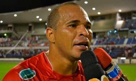 ALUISIO CHUPA EM ARIQUEMES (Foto: Arquivo ESPN Brasil)
