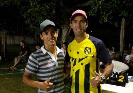 Eder Ferrasso encontra seu ídolo Coelho Santos (Foto: ASSESSORIA COPA SKOL)