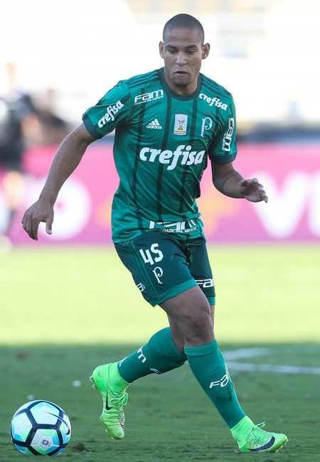 Gabriel fez o seu primeiro jogo como jogador profissional  (Foto: Agência Palmeiras)